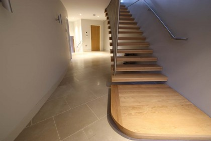 A bespoke house fitted with Pergaminho Original limestone